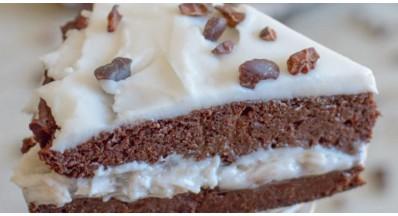 Veganska brezglutenska čokoladna torta s skrivno sestavino