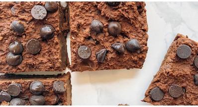 Čičerikini veganski browniji s čokoladnimi kapljicami