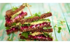 5 idej za zdrav veganski sendvič s humus namazom
