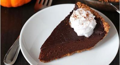 Veganska čokoladna bučna pita (brez glutena)