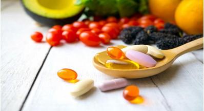 Razlika med vitaminom C in askorbinsko kislino